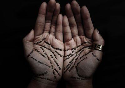 Выбор руки в хиромантии