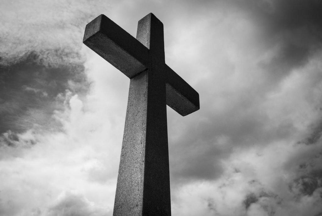 Заклинание на смерть человека в домашних условиях