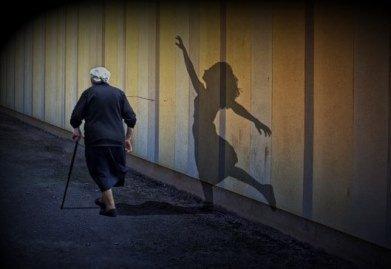 Тень женщины