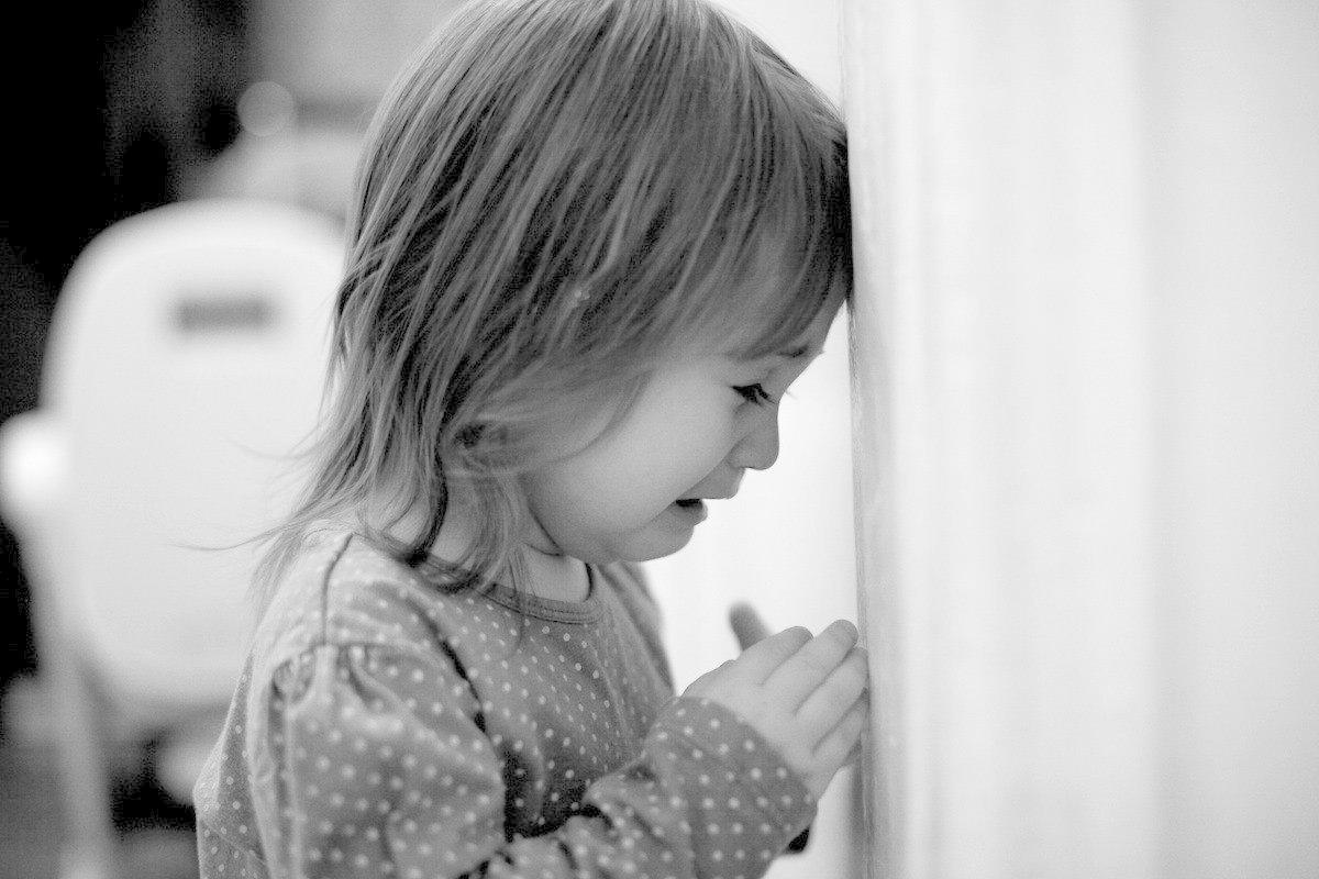 Как снять сглаз и порчу с ребенка самостоятельно в домашних условиях