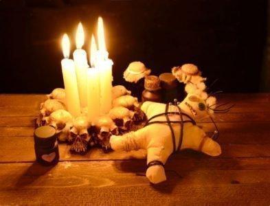 Ритуал на восковую куклу