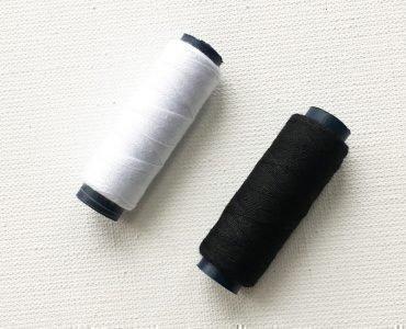 Белые и черные нитки