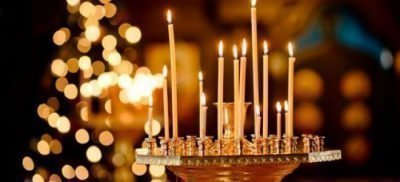 Свечки в церкви