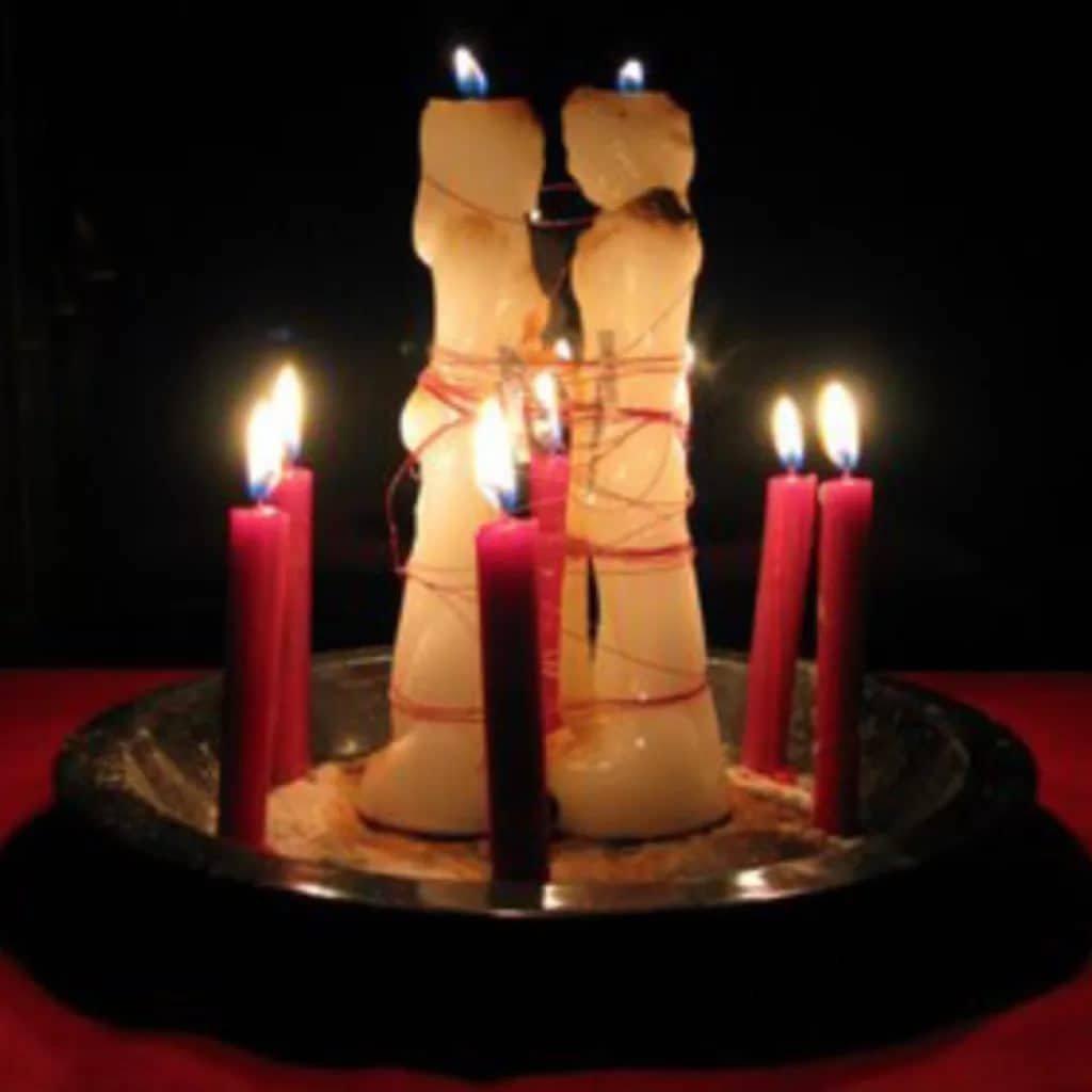 Когда начинает действовать приворот на скрученные свечи