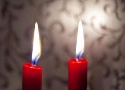 Безвредный обряд с красной свечой