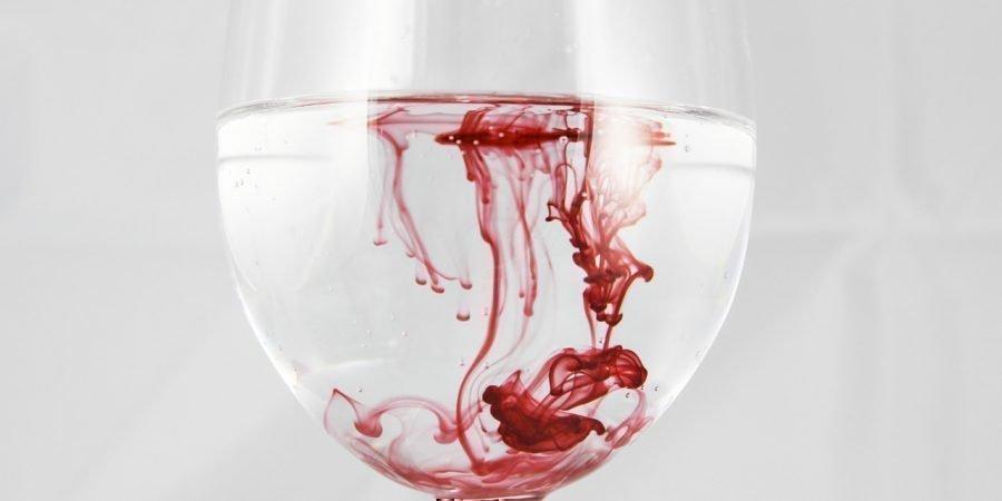 Как сделать приворот на месячные менструальную кровь и с их помощью приворожить или присушить мужчину