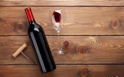 Открытая бутылка вина