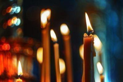 Приворот со свечами на Крещение