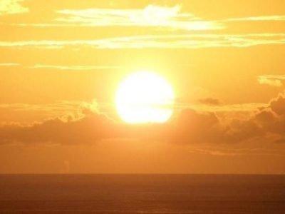 Восход солнца над морем