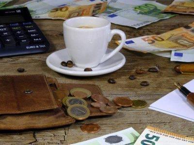 Нельзя держать деньги на столе