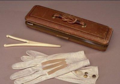 Старинные перчатки