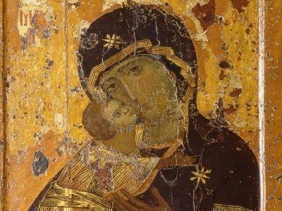 иконой Божией Матери