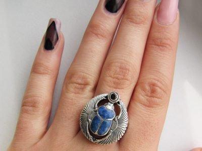 Перстень с изображением жука-скарабея