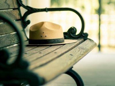 Потеря шапки в парке