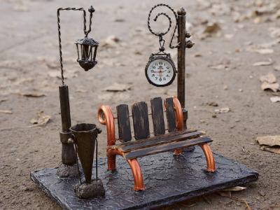 Часы для стола