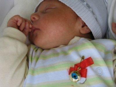 Амулет на малыше