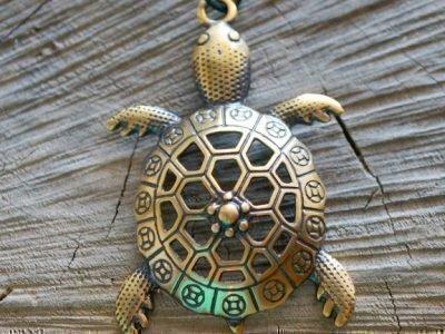 Амулет с черепахой