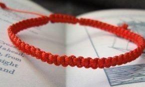 Как правильно завязать красную нить на запястье для привлечения удачи