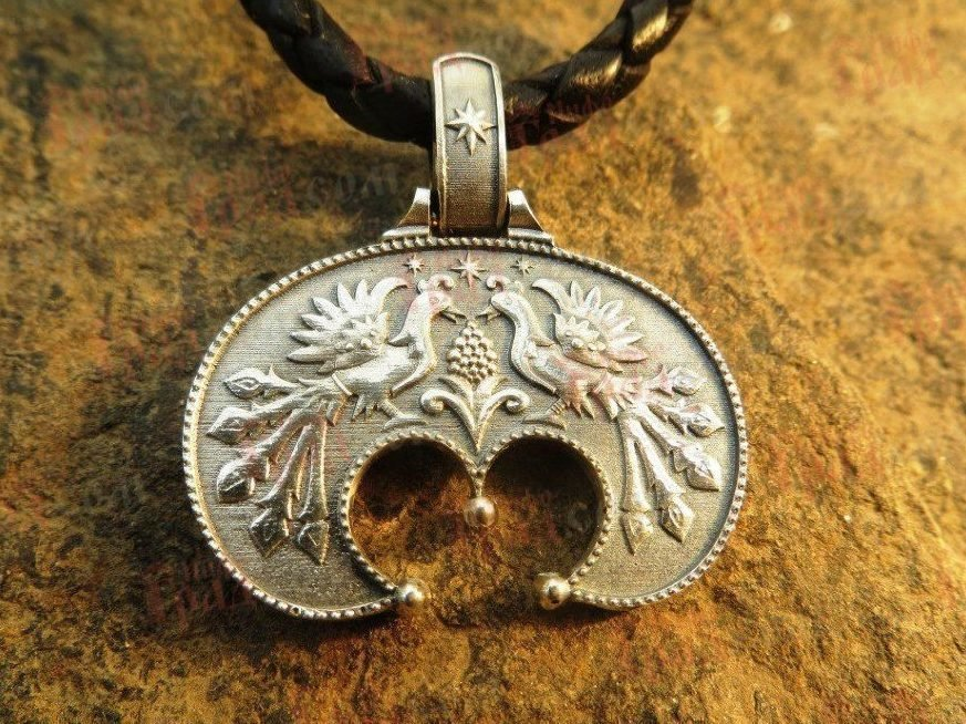 Лунница оберег значение для женщин (Пять лун) славянский и древнерусский: значение, как носить, татуировки