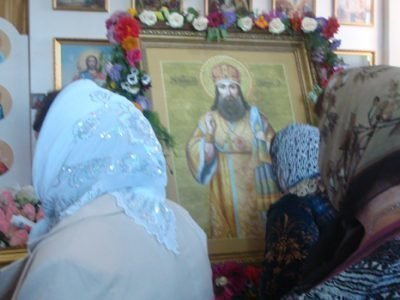 Тихон Задонский, молитва у иконы