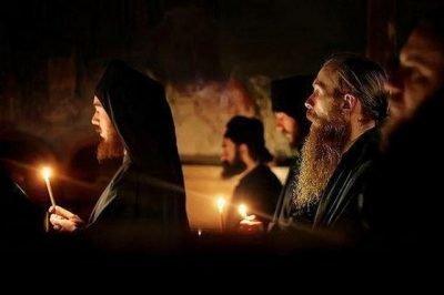 Моления в Оптиной пустыни