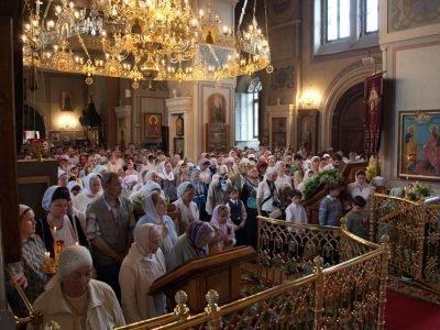 Молитва Отче наш в церкви