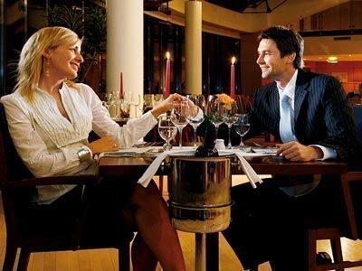 Женщина-Тигр и мужчина-Кролик в дружбе