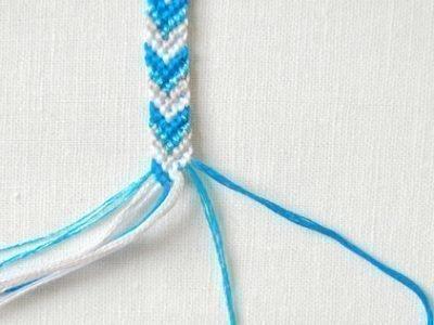 Процесс плетения браслета