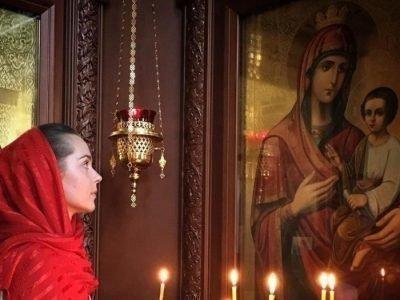 Козельщанская Одигитрия (младенец благословляет Богородицу)