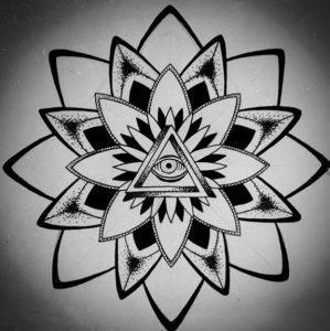 Тату мандала с символом Всевидящее око, эскиз 6