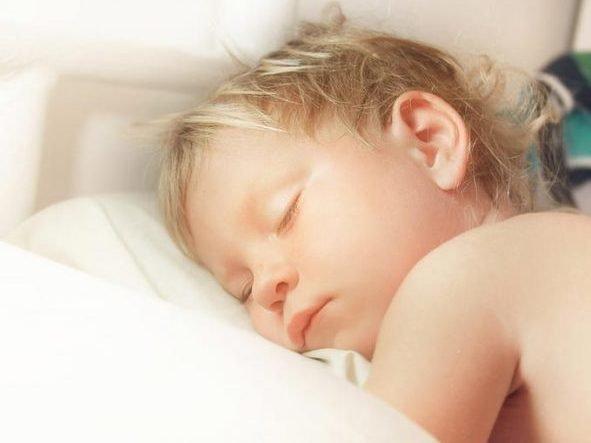 Молитва на сон ребенку - текст, сильная православная молитва, чтобы ребенок хорошо и спокойно спал ночью