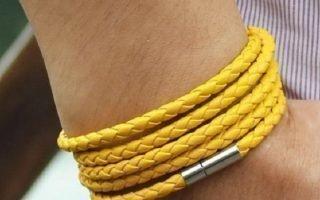 Значение желтой и оранжевой нитей на запястье
