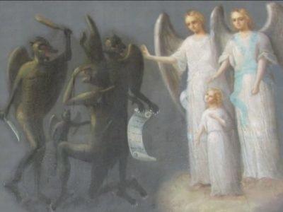 Добрые и злые духи встречают душу после смерти