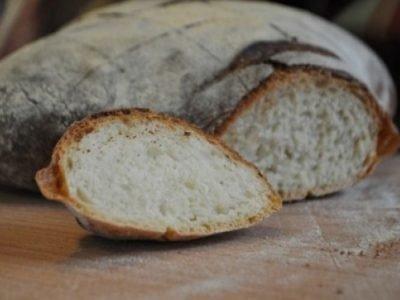 Любовный приворот на горбушку хлеба