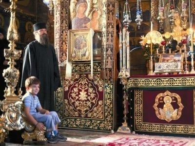 Посещение храма с ребенком перед операцией