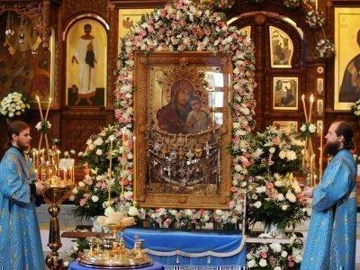 Чтение акафита Святогорской иконе Богородицы