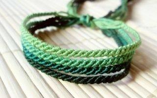 Значение зеленой нити на запястье