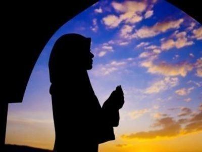 Молитва утром у мусульман