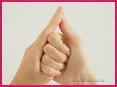 Мудра Шанкха для красивых волос и ногтей