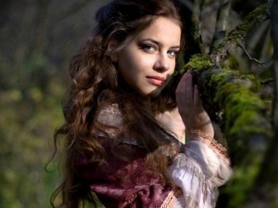 Ведьма-красавица