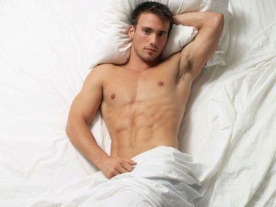 Голый во сне в кровати - значение
