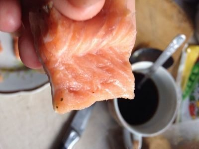 Кушать сырую рыбу во сне - что это означает