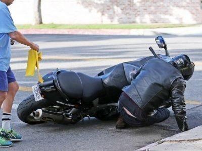 Упасть с мотоцикла во сне