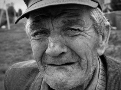 Покойный дедушка плачет во сне