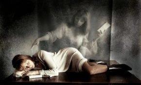 К чему слышать, как покойный зовет к себе во сне или идти за умершим